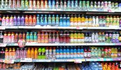 bebidas en estantes 240x140 - El consumidor deja la gaseosa y busca nuevas opciones de bebidas