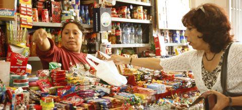 bodegas - ¿Ley de plástico los ampara? Mercados y bodegas podrían entregar bolsas sin cobrar