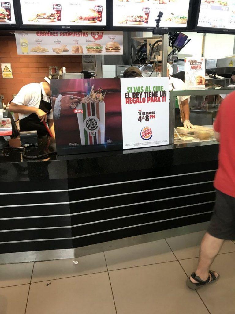 burger king rambla 768x1024 - Burger King decide regalar canchita ante polémica que enfrentan salas de cine