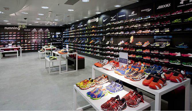 calzado deportivo eu1 - Demanda de calzado deportivo podría llegar a US$ 10.500 millones de dólares en 2021