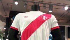 camiseta peru umbro 240x140 - Ventas de camisetas en Coliseum y Umbro se incrementó en 300% en Perú