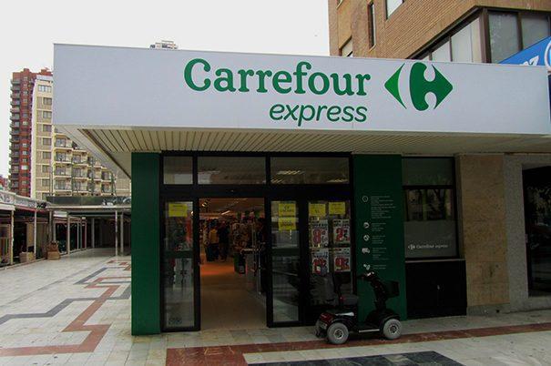 """carrefour express 2 - Franquiciados llevan a Carrefour a los tribunales por """"estafa, coacción y amenazas"""""""