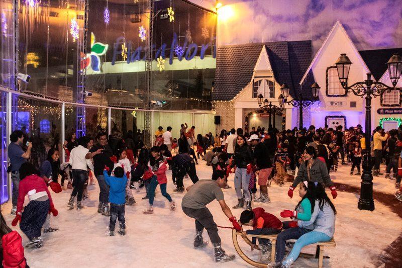 Peru La Villa De Papa Noel Regresa Al Mall Del Sur Y Plaza Norte