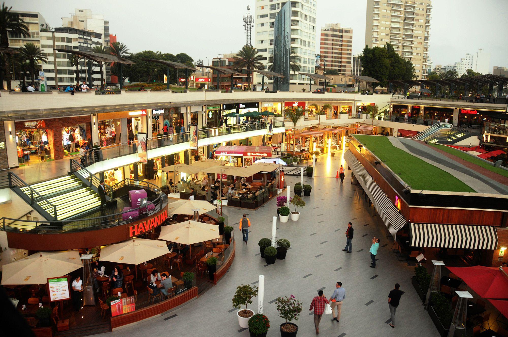 cc larcomar exteriores 02 1 - Perú: ¿Qué actividades preparan los malls por Día de San Valentín?