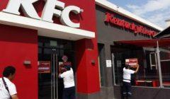 cierran kfc 240x140 - Cierran local de KFC en Lima