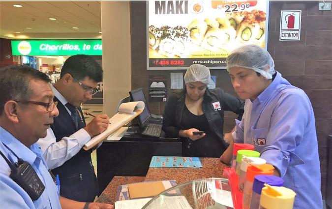 cierre de locales de comida - Clausuran 'Mr. Sushi' y 'Mis Costillitas' en Plaza Lima Sur
