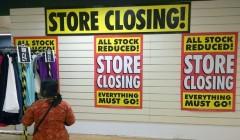 cierre de tiendas 2 240x140 - Minoristas siguen sumándose a la ola de cierre de tiendas en EE. UU.