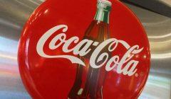 coca 1 240x140 - ¿Cómo será la primera bebida alcohólica de Coca Cola?