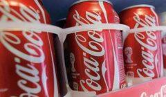 coca cola latas 240x140 - Coca Cola venderá todas sus latas en envases de cartón para el próximo año