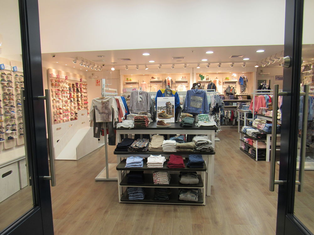 colloky ingreso a tienda opt - Perú: Colloky renueva tienda en centro comercial La Rambla