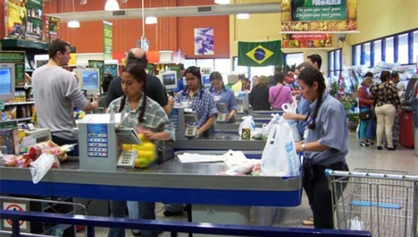 comercio-minorista-Brasil-siguen-en-descenso