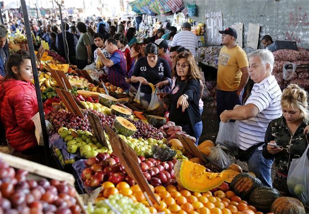Comprando comida en el ccclas trinitarias barquisimeto - 4 7