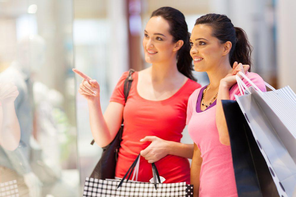 compras shopping 2 - Cinco consejos para aprovechar las ofertas en el Día del Shopping