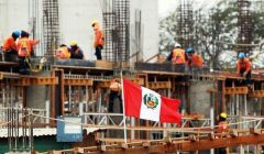 construccion peru 2018 240x140 - ¿Qué debería pasar para que el consumo se recupere en Perú?