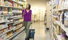 consumidora colombiana 240x140 - Colombia: ¿Cuál es la tendencia de consumo por canales?
