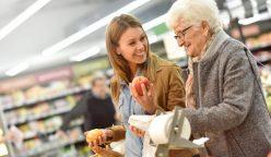 consumidores jovenes senior 248x144 - España: El gran consumo se enfrenta a un nuevo desafío