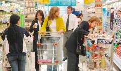 consumo masivo 23 240x140 - ¿En qué rubros gastarán más los limeños este año?