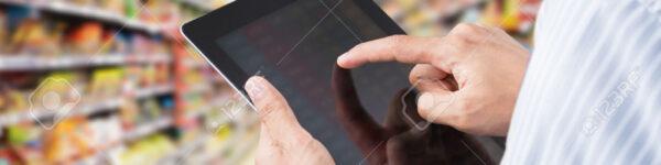 control-de-inventario-en-un-minimercado-en-pantalla