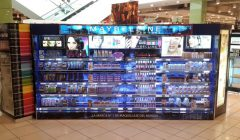cosmetic display maybelline 240x140 - Maybelline estima crecer a doble dígito este año en Perú