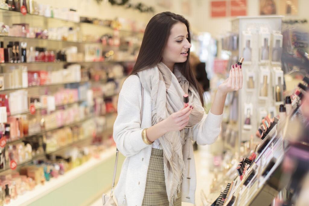 cosmeticos 2 1024x683 - Perú: Retail concentra el 50% de las ventas en cosmética e higiene