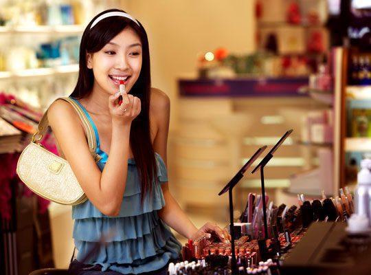 cosmeticos 3 - Cadena de supermercados Carrefour lanza línea cosmética de lujo