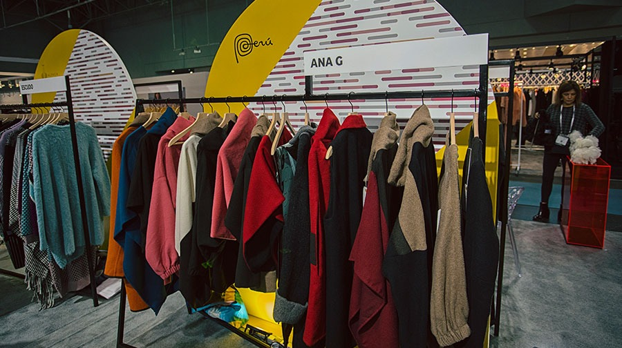 coterie moda peruana - Textiles peruanos se lucieron en la feria Coterie New York