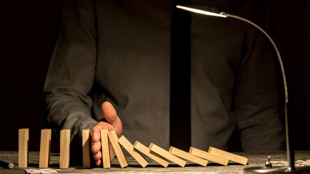 crisis 1 esan 1024x576 - Cómo prevenir una crisis empresarial y cómo gestionarla