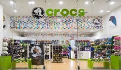 crocs tienda 240x140 - Crocs implementa software para eficientizar las operaciones de sus tiendas