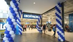 decathlon apertura junio 2017 240x140 - Decathlon abrió una nueva tienda en el centro comercial La Maquinista de Barcelona