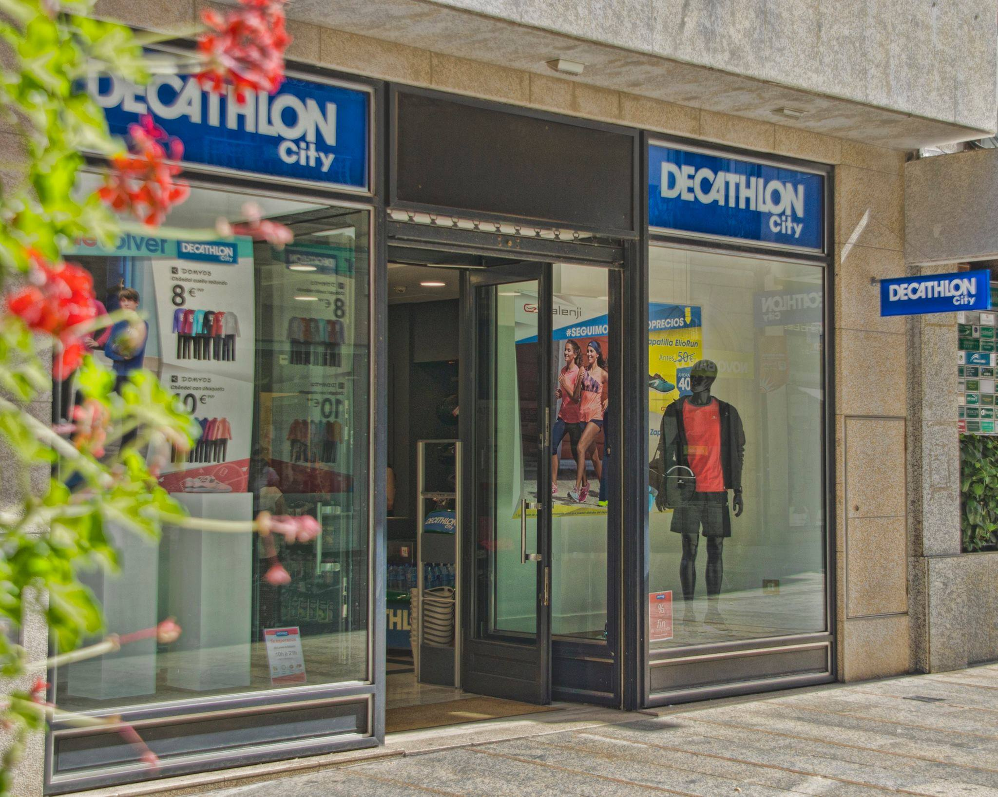 Decathlon contin a su expansi n en espa a per retail for Trabajar en decathlon madrid