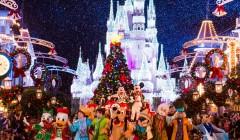disney navidad 240x140 - Conoce cómo se vive la Navidad en Disney