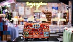 dolce gabbana diseños electrodomésticos 10 240x140 - Conoce los diseños que realizó Dolce & Gabbana para una línea de electrodomésticos