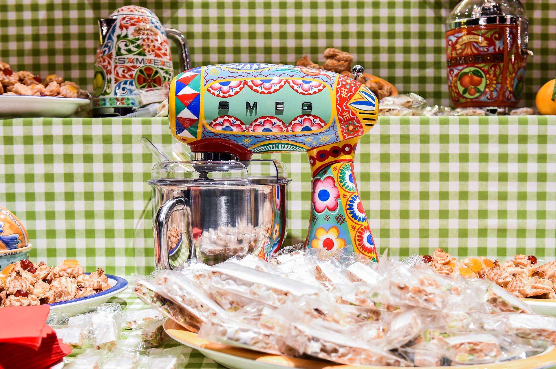 dolce gabbana diseños electrodomésticos 12 - Conoce los diseños que realizó Dolce & Gabbana para una línea de electrodomésticos