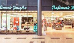 douglas tienda exterior 728 240x140 - España: Cadena de perfumerías Douglas cerrará 60 tiendas