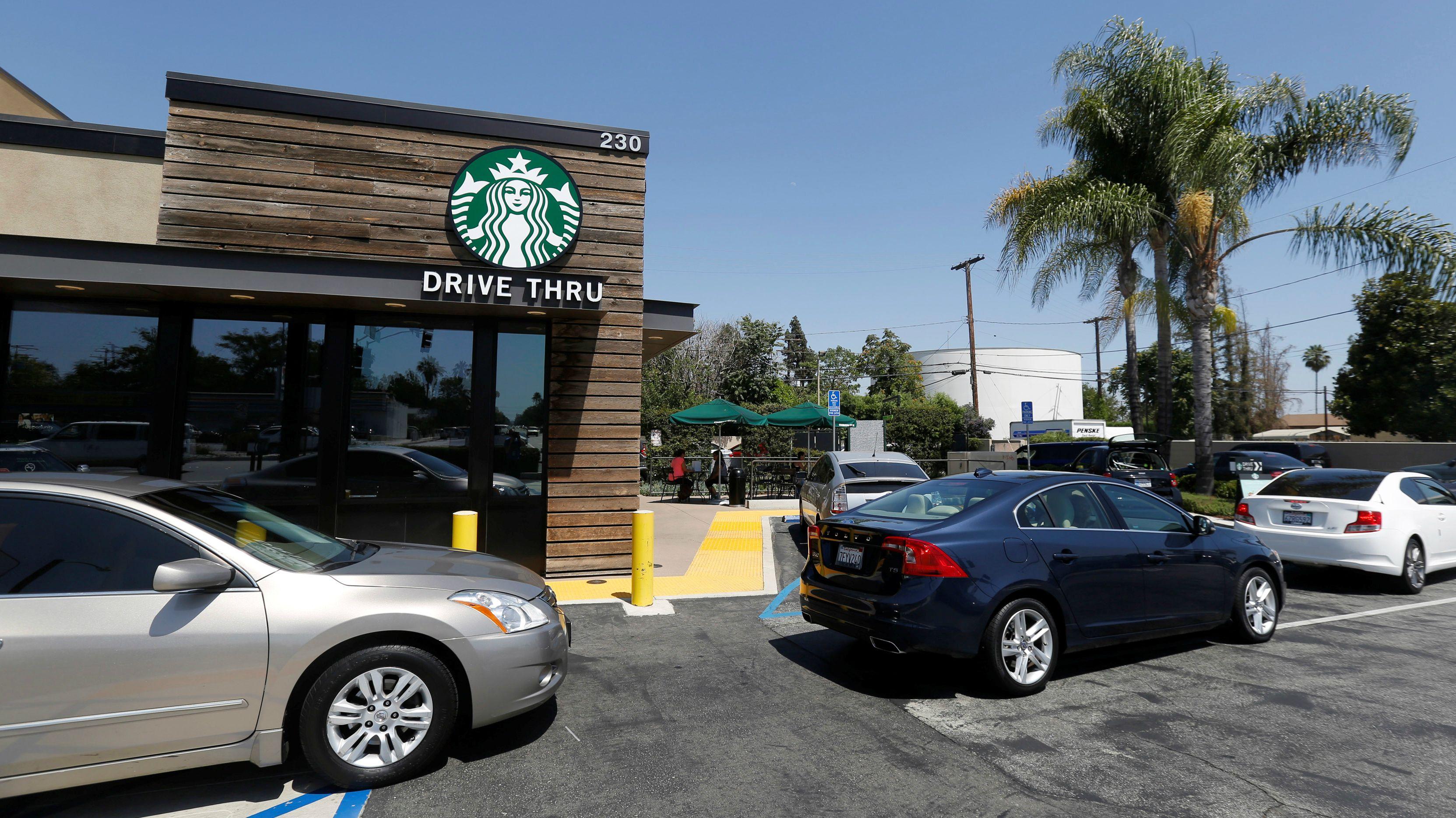 """drive thrue starbucks 1 - Perú: Starbucks presentará servicio """"Drive-Thru"""" y remodela locales"""