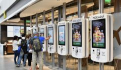"ecuador mcdonalds perú retail 2 240x140 - Ecuador: McDonald's abre el primer restaurante ""Experiencia del Futuro"" en Samborondón"