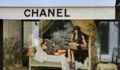 escaparate channel 240x140 - La teatralidad en los escaparates viene ganando espacio
