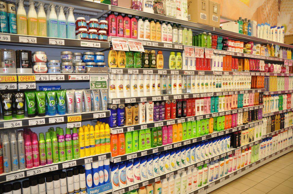 estantes compras belleza - Perú: Canasta de cuidado personal se recuperará para el tercer trimestre