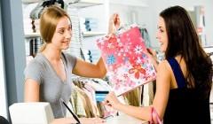 experiencia de compra 240x140 - Los beneficios de una buena experiencia del cliente