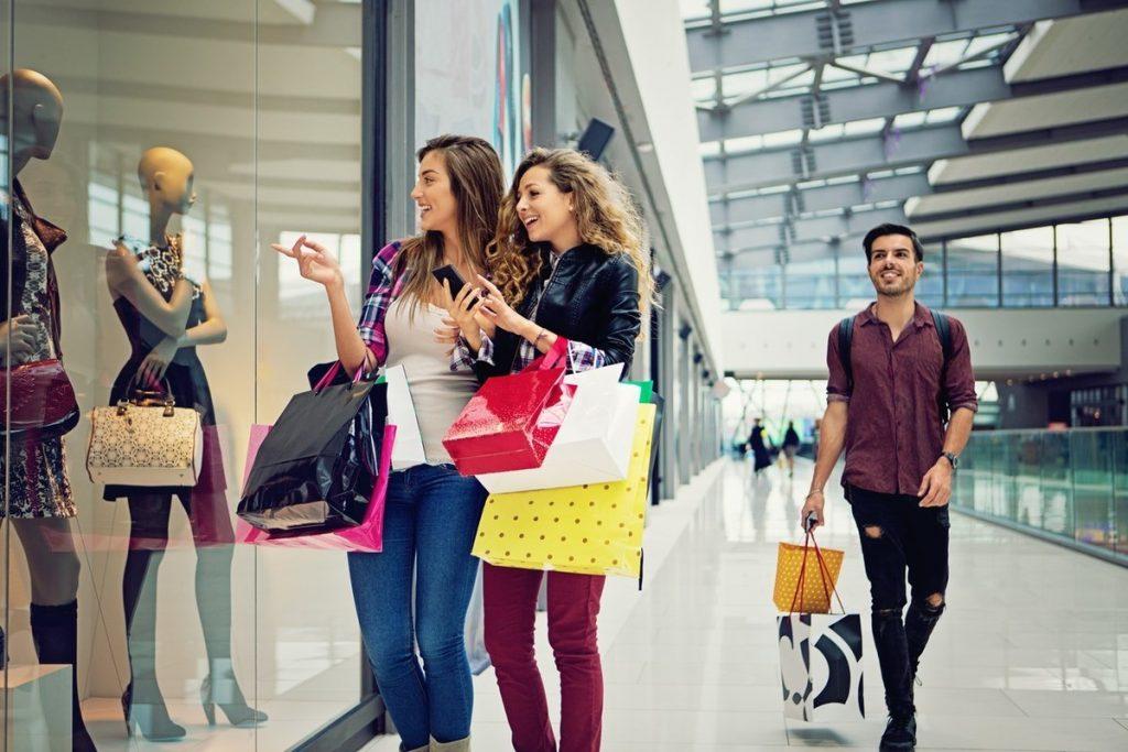 "fast fashion 1 1024x683 - ONU considera que la industria fast fashion es de ""emergencia medioambiental"""