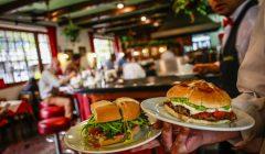 fast food1 240x140 - Cadenas de fast food están fortaleciéndose en el retail chileno