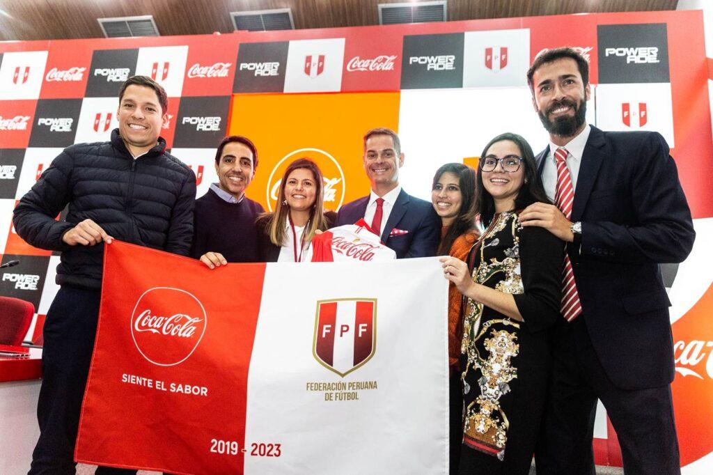 federación coca cola Perú Retail 1024x682 - Coca Cola renueva contrato hasta el 2023 con la Federación Peruana de Fútbol
