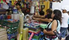 feria escolar1 240x140 - El retorno al colegio incrementa consumo de diversas categorías en el Perú