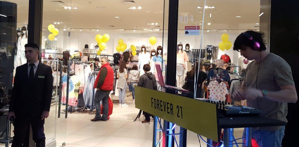 forever 21 uruguay 1 1024x505 - Forever 21 con nuevos dueños: Retailer costó solo el 2% de su precio inicial