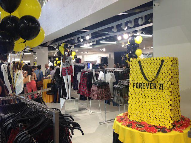 forever ecu peru retail - Forever 21 se deprecia: Ofrecen casi 50 veces menos del valor de marca