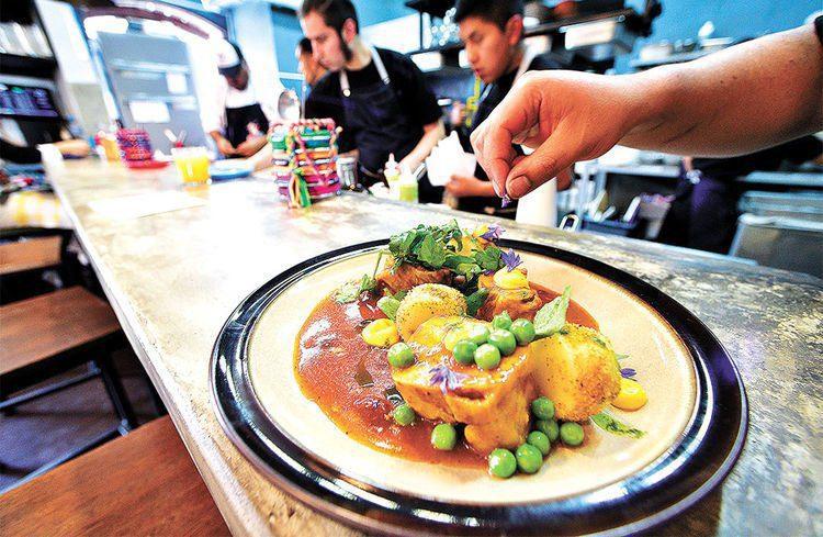 Bolivia ventas de restaurantes siguen en alza con for Articulos para restaurantes