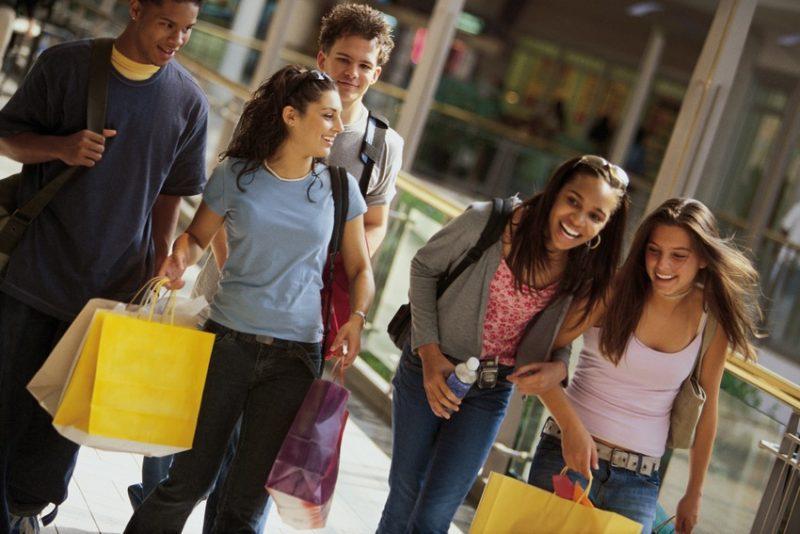 generacion z centros comerciales - Perú Retail