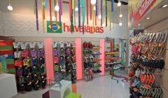 havaianas barcelona 2 1 240x140 - Havaianas abre concept store en el Boulevard de Asia