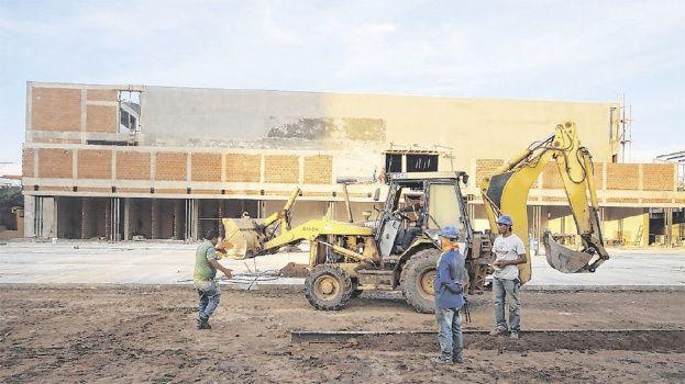 hipermaxi construcción - Hipermaxi alista la construcción de su 33° supermercado en Bolivia