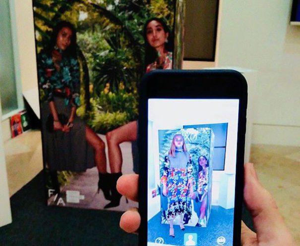 hm hologramas - H&M potencia experiencia al cliente con hologramas humanos